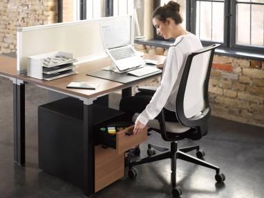 Siège Reply devant un bureau