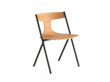 VI_Quadra_Chair On White