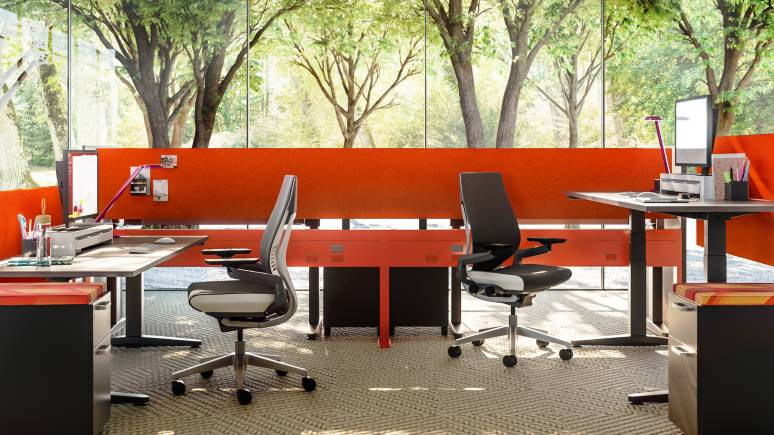 Answer Fence and Gesture Office Chair
