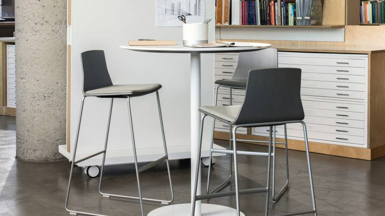 Montara650 Standing Height Round Table with Montara650 stools