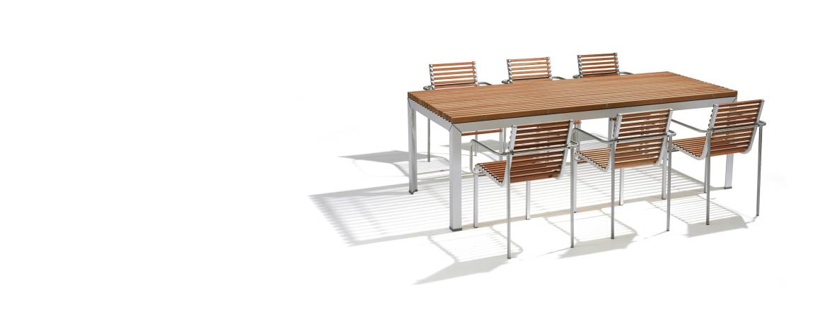 Extremis Extempore Table Chair