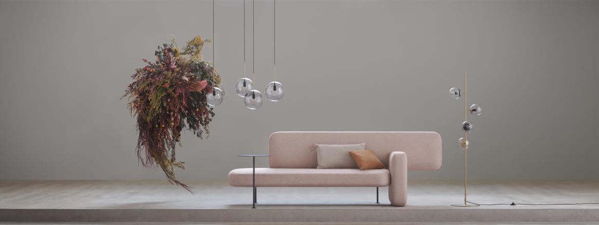 Canapé et lampes Bolia