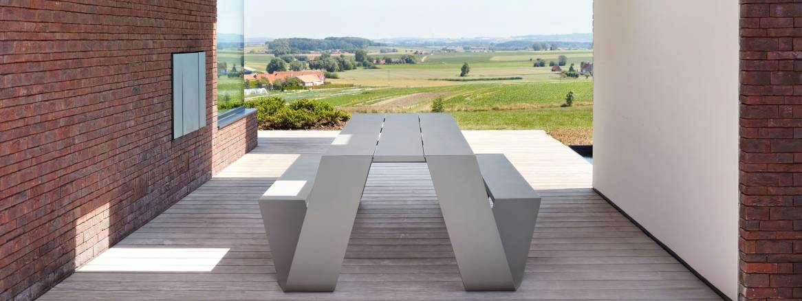 An Extremis table featured in an outdoor space