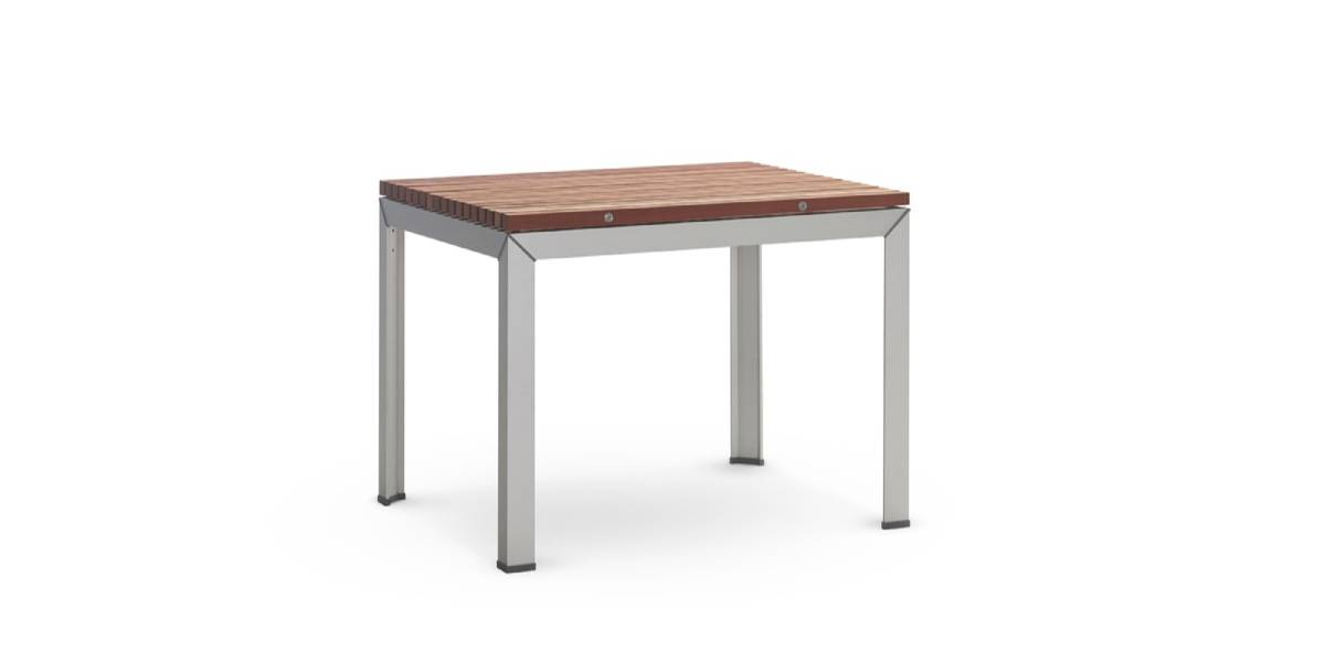 Extremis Extempore Standard Square Table