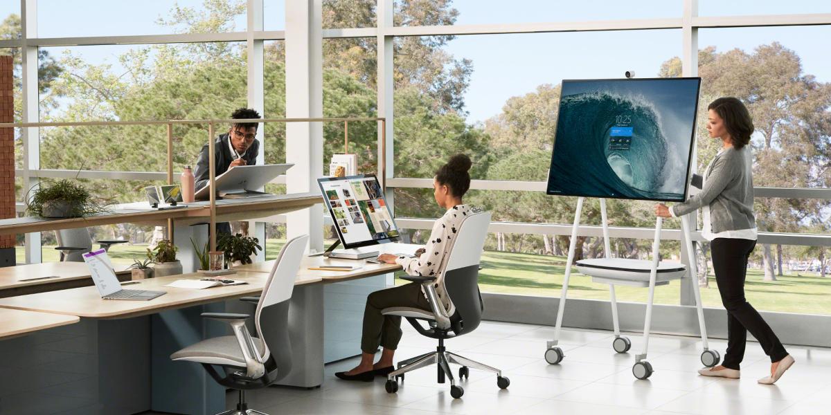 Microsoft Surface Hub 2s And Steelcase 174 Roam Free Teams