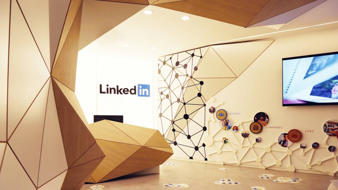 Linkedin designs office for the 5 senses steelcase for Oficina qualitas auto madrid