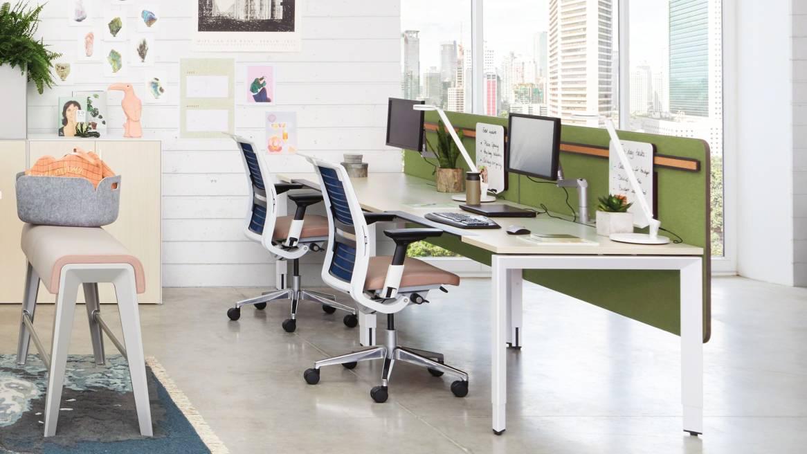 FrameOne Schreibtisch