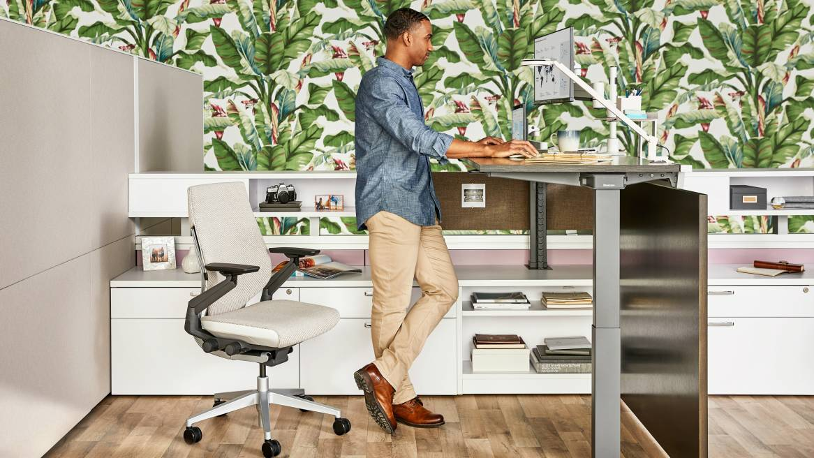 Answer Beam to Support Desks & Workstations | Steelcase