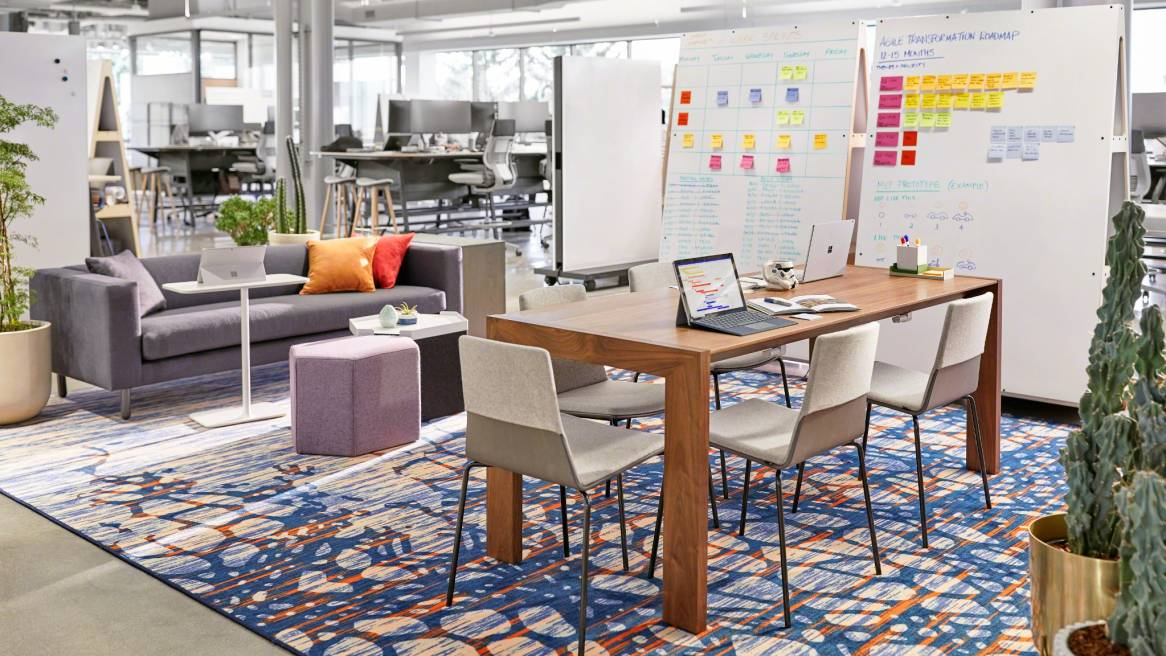 Steelcase products featured in an office lounge setting