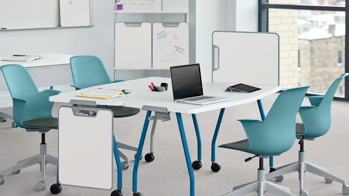 Classroom with blue Node chairs