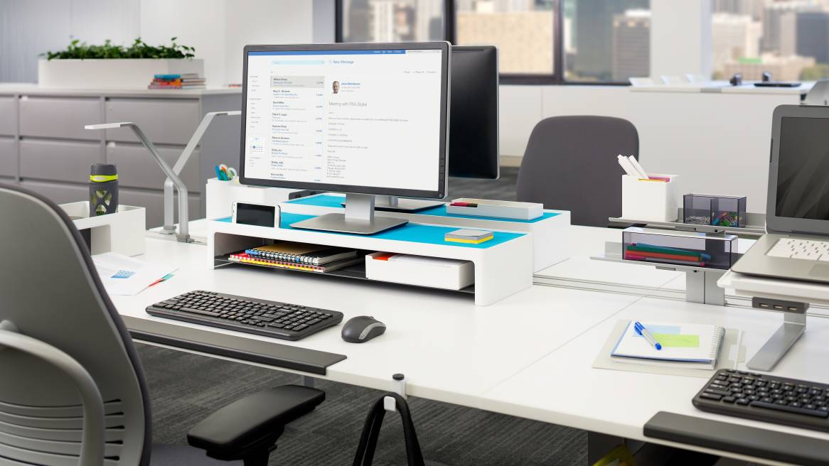 Workstation featuring Steelcase SOTO products