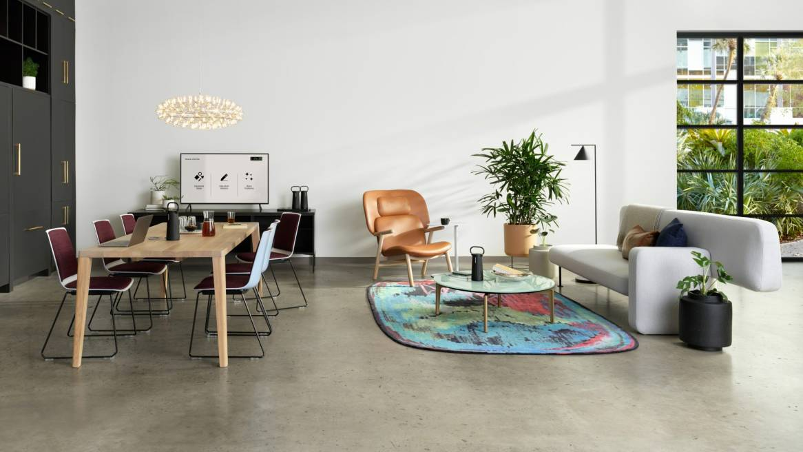 Customer Oasis, Meeting, Bolia Pebble Sofa, Graceful Dining Table, Nooi Seating