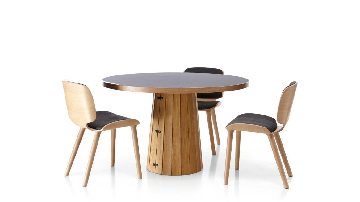 on-white image of a setting of a Moooi table and 3 wooded chairs