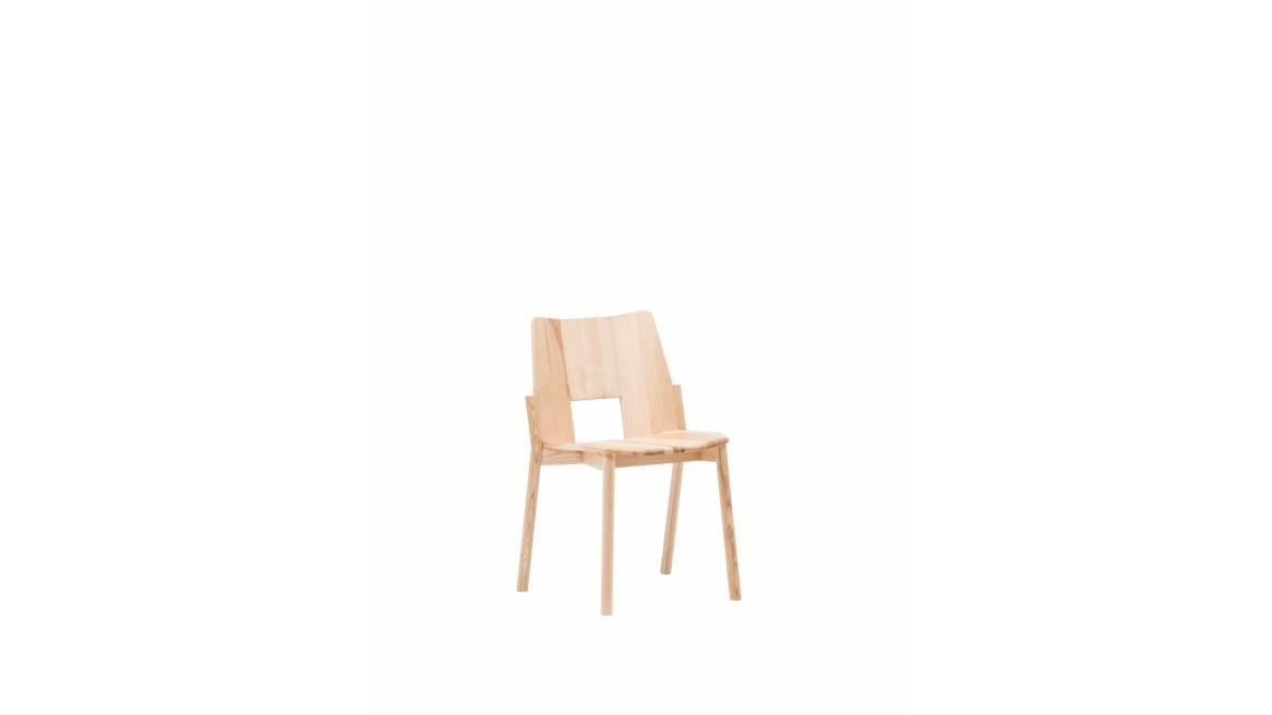 Tronco Chair on white ash