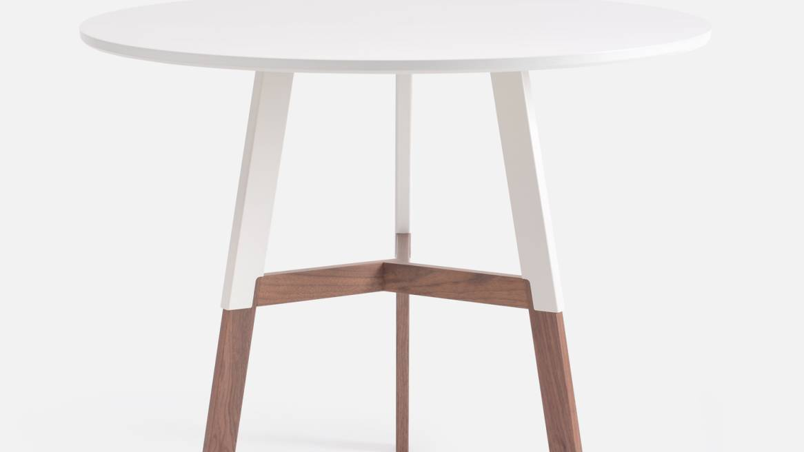 1/2 Nelson Table