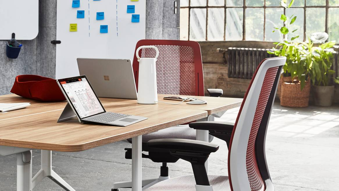 Steelcase Flex Mobile Power