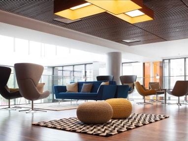 Orangebox conçoit et fabrique du mobilier de bureau innovant