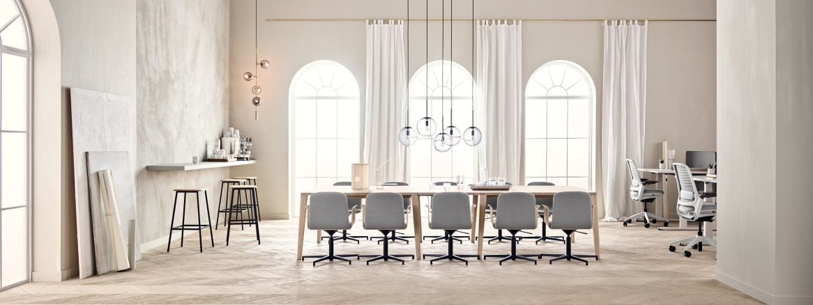 11284x5000_graceful-palm-orb-facet-soft collection curtain-steelcase table-steelcase chair-b2b