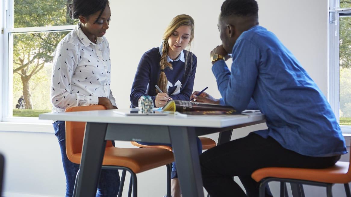Un plan de estudios modificado para mejorar el éxito de los estudiantes