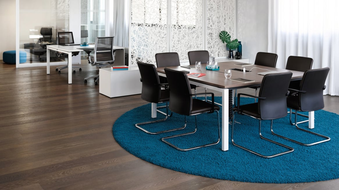 FrameFour Meeting Table and amia chairs