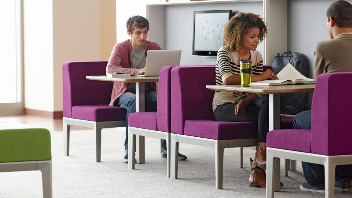 Regard lounge systemin an education setting
