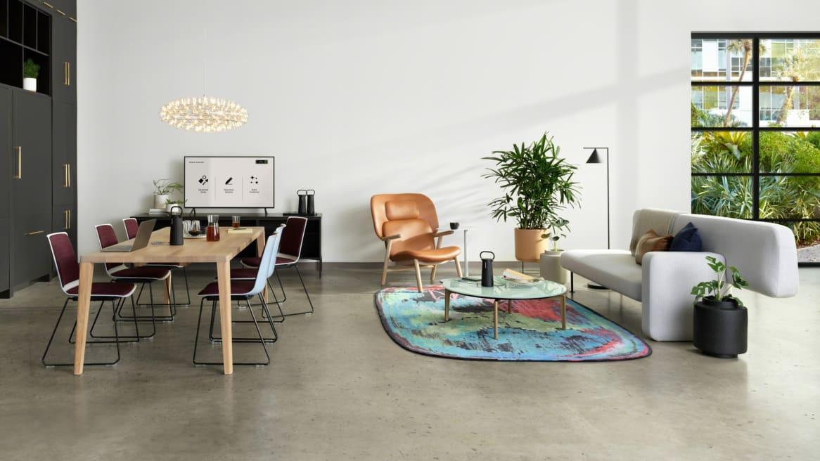 Customer Oasis, Meeting, Bolia Pebble Sofa, Graceful Dining Table, Nooi Seating