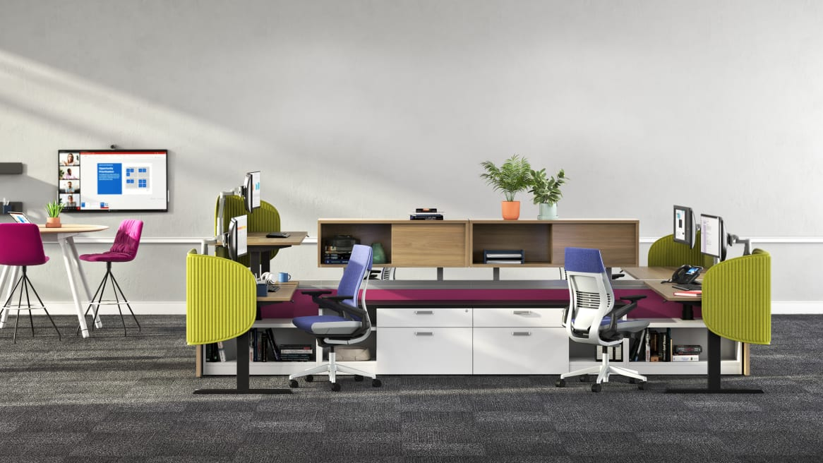 Soffio Screen in a open plan office setting