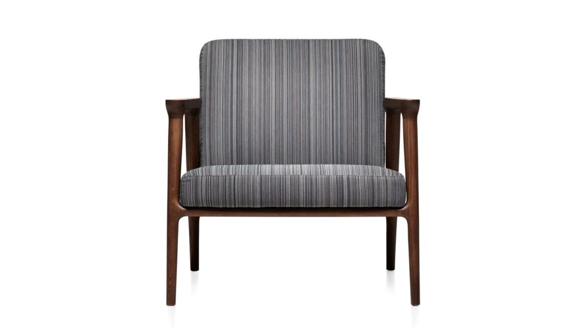 on white Zio Lounge chair