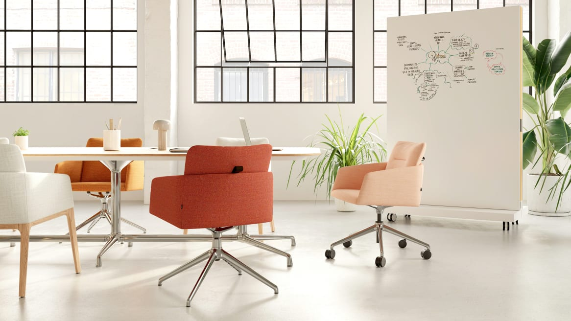 Conference table with Marien152 Seating