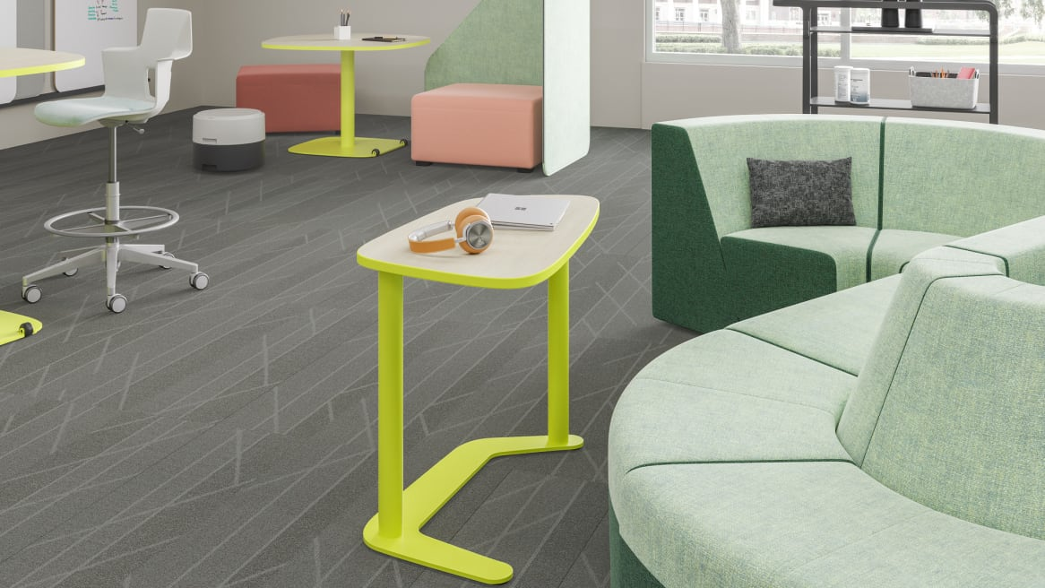 Ancillary workspace equipped with Elbrook Tables, mint-green Campfire Lounge, Node Chairs and B-Free cubes.