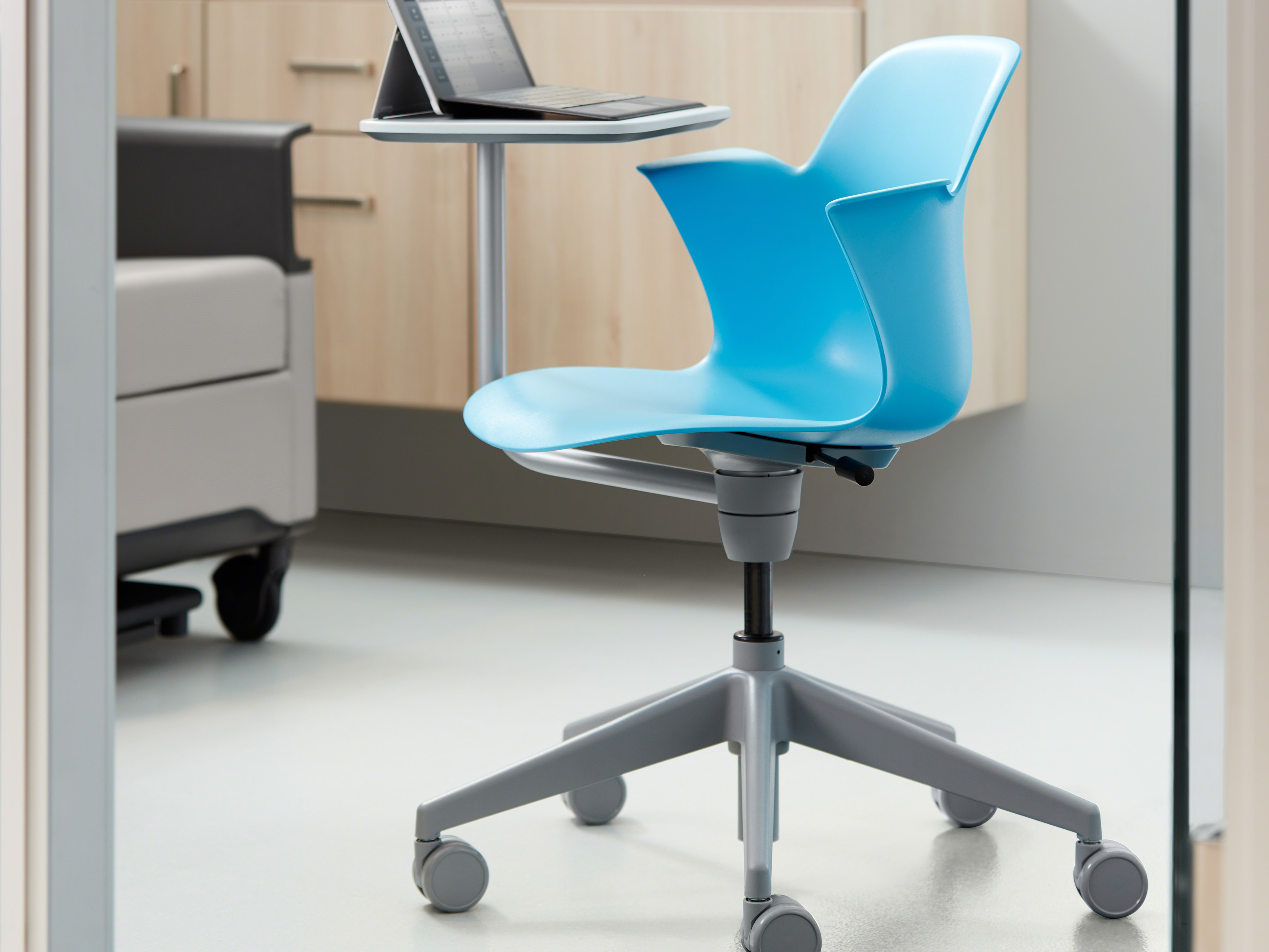 Connected waiting room chairs - Featured Products